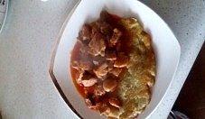 Placki ziemniaczane z gulaszem